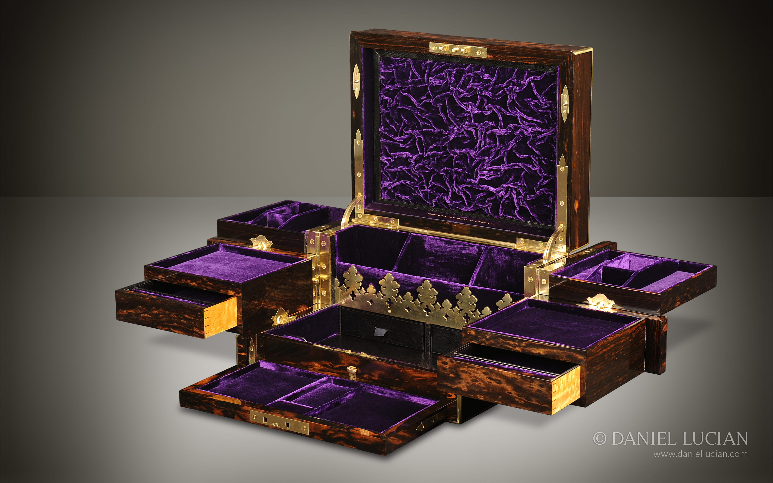 Daniel Lucian Asprey Antique Jewellery Box In Coromandel
