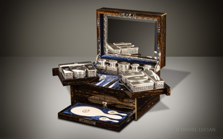 Antique Dressing Case in Coromandel with Betjemann Patent Mechanism, by Jenner & Knewstub
