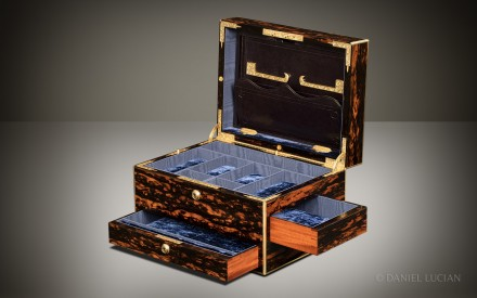 Antique Jewellery Box in Coromandel with Two Spring-Loaded Drawers